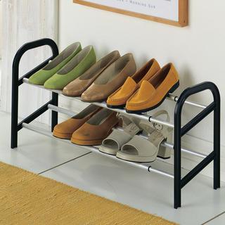Roztiahnuteľný hliníkový botník až na 12 párov topánok