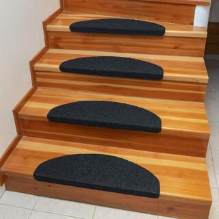 Koberec na schody QUICKSTEP polkruh antracitový